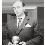 headshot of Alfredo Di Stéfano